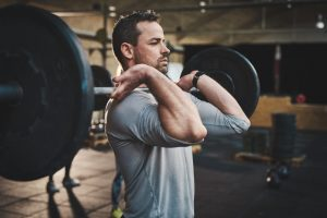 What muscles work with a bench press